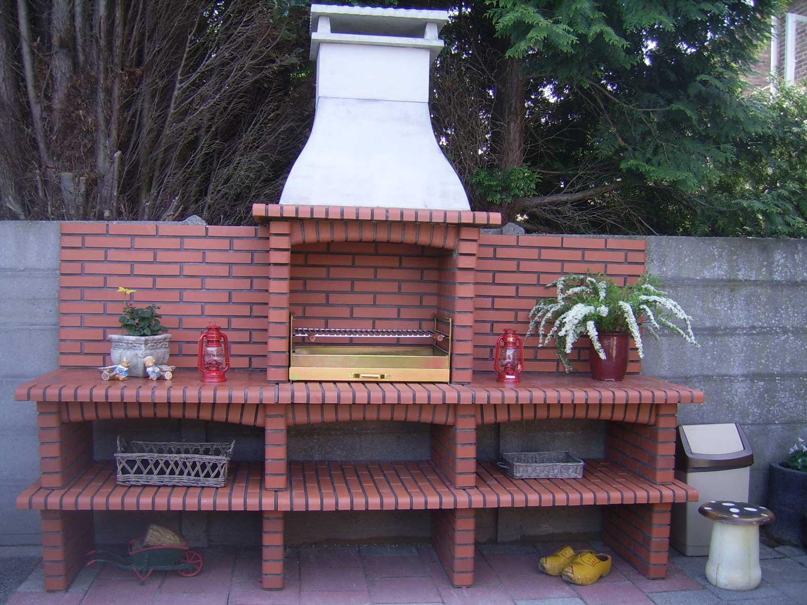 Aveiro 07/4 - steen kleur Rood en grillset G11/70