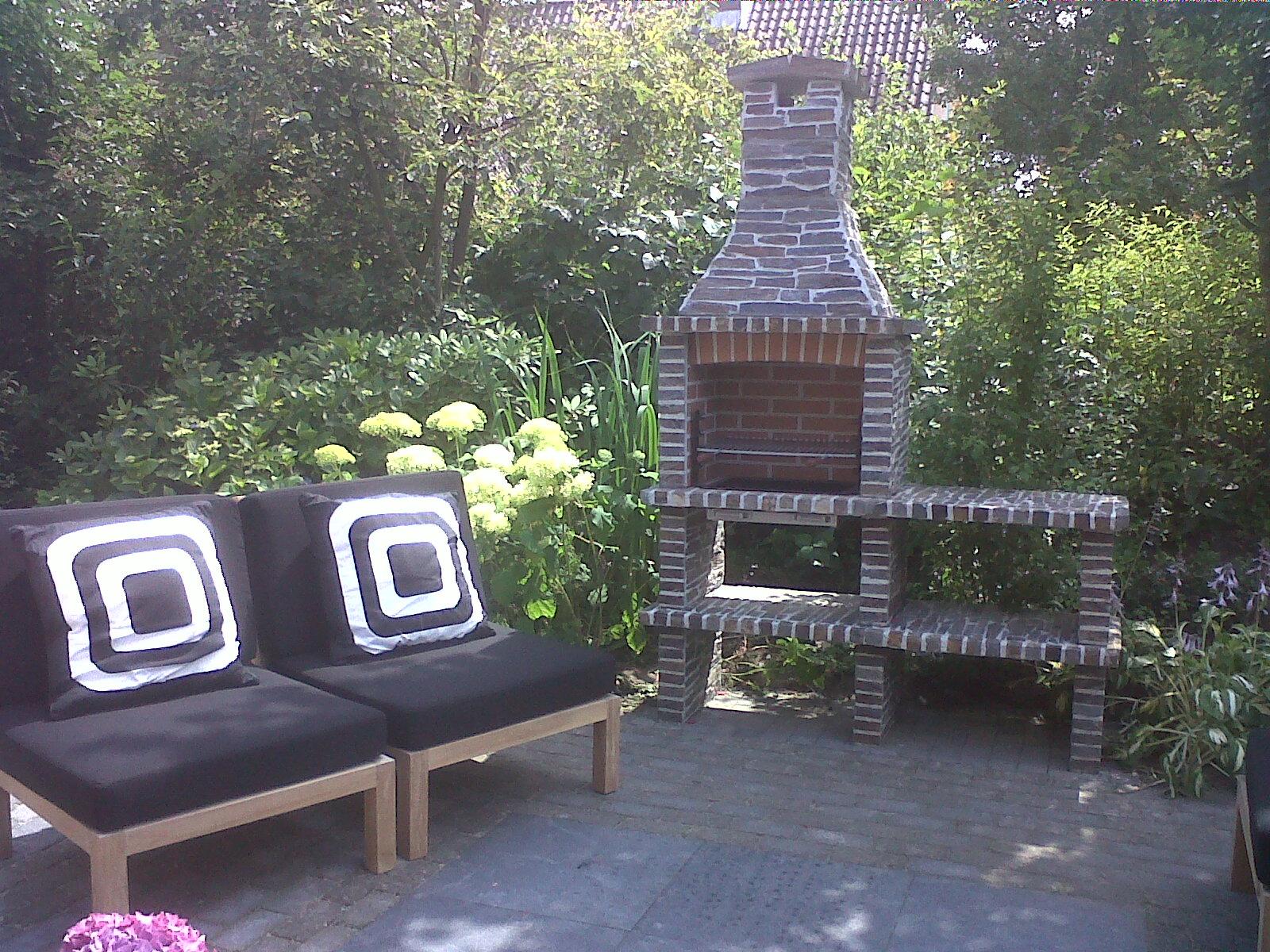 Malaga 34, Natuursteen belegd - steen kleur: Rustiek, inbouw Grillset G3 zwart gelakt. 1 extra verlengblok toegepast.